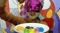 妹子试吃小葫芦果冻, 晶莹透亮, 味道清甜, 给你视觉味觉双体验