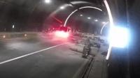 """司机隧道内心急乱跟车 """"飞入""""工地引事故"""