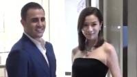 卡纳瓦罗现身香港与佘诗曼同框 TVB女神赞卡帅有风度
