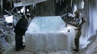 男子发现一个奇怪的空冰块, 殊不知, 里面原本的生物有多可怕