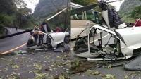 突发! 直升机坠落峨眉山景区 警方: 系航空公司训练机 1人轻伤