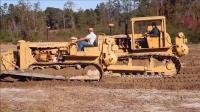 买了几十年的推土机工作视频, 老旧但是能干啊! ~