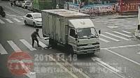 交通事故合集20181118: 每天10分钟车祸实例, 助你提高安全意识