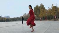 老妹儿一人在广场跳高跟鞋鬼步舞真牛《买了佛冷DJ版》青青世界广场舞