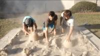 老外自制流沙游泳池, 到底是什么原理?