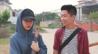 闽南语搞笑视频: 少年梦想遭现实践踏, 天桥卖唱场面火爆