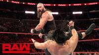 【RAW 11/19】人间怪兽被对方围攻 遭独狼铁台阶暴击 手肘严重受伤