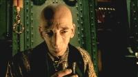 几分钟看完经典奇幻电影《童梦失魂夜》博士发明机器窃取别人的梦