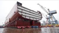 中国造载重5万吨大货车 1152个轮胎  可扛起万吨级航母