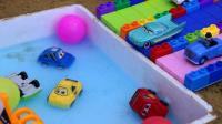 用积木建一个小汽车游泳池
