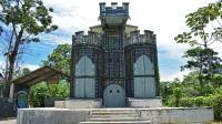 加拿大商人塑料瓶做城堡