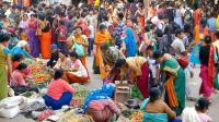 """实拍印度最大的""""妈妈集市"""", 都是印度女人做生意, 人流量真大!"""