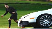 C罗单挑布加迪, 年薪1.5亿对5000万超跑, 果然谁贵谁跑得快啊!