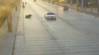 司机掉头致摩托男摔倒不幸身亡 被赔30万