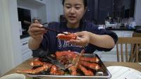 花了599元买了一只帝王蟹, 钱贝第一次吃活帝王蟹, 还不知道咋吃