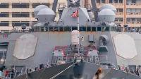 美军8300吨锈迹斑斑的宙斯盾舰访问香港