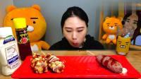 韩国大胃王卡妹, 吃6根不同口味热狗捧, 脆皮的, 特别香很好吃