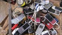 非洲连电都用不上, 却人人都有智能手机, 充电方式让大开眼界