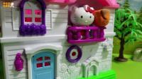 凯蒂猫玩具故事: 凯蒂乱扔东西, 砸到了光头强