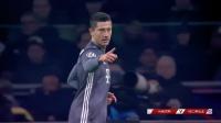 欧冠-莱万塔迪奇双响2人染红 拜仁3-3遭乌龙绝平仍头名出线