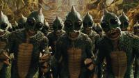 小伙穿越回6500万年前, 发现外星蜥蜴人占领了地球, 恐龙都沦为奴隶
