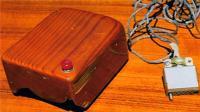 世界上最古老的鼠标, 造型似木头盒子, 用起来啥感觉?