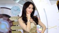 八卦:林志玲金色薄纱裙 皮肤白板红唇娇艳