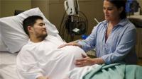 世界上第一个生孩子的男人, 成功生下俩宝宝, 网友: 疼吗?