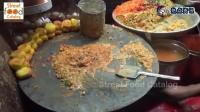 实拍印度的街头小吃, 这手工还不错, 要不生意怎么会这么好