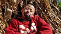 睡着了还吃萝卜, 没想到偷菜却把他吵醒了, 这可不得了了!