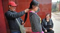 很多农村专门收女人头发的人, 到底拿头发做什么? 原来不只做假发