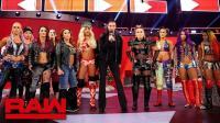 【RAW 12/17】隆达罗西开启冠军公开挑战 大公主安排众女将上演车轮战