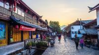 以前很多人喜欢却丽江古镇, 现在人却很少? 游客放弃了古镇吗?