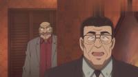 《名侦探柯南》柯南发现新情况, 查理警官也赶紧跟着他上了电梯