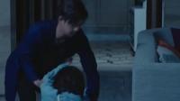 童风受记者困扰无奈借住萧雨家,林烨扶童风时两人意外吻在了一起