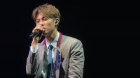 邱胜翊音乐会上唱曾经大火的歌曲《苦茶》, 现在听来满满90后的回忆!