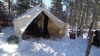 露营旅行荒野生存体验之冬季森林