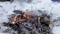 露营 旅行 荒野生存体验之冬季丛林过圣诞