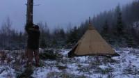 荒野生存体验之生存哥-篝火烤面包丛林过圣诞节