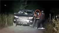 实拍: 美国在逃杀人嫌犯持枪瞄准警察被击毙