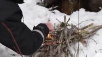 多么悠闲的生活加拿大人在冬天的娱乐活动-冰上钓鱼, 滑雪