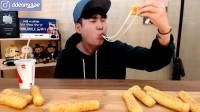 韩国大胃王小哥, 吃特色小油条, 嘴大果然有好处