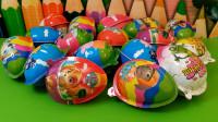 亲子玩具拆汪汪队奇趣蛋玩具视频, 拆出了两个好玩的弹射玩具!
