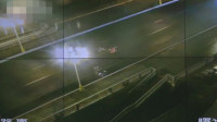柳州女孩下车扶老人被撞去世 事发监控画面