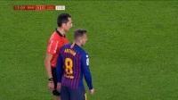 梅西前场推进遭凶狠放倒 巴萨获得前场任意球