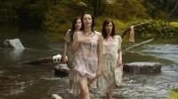 三个女人在河边湿身唱歌, 却引来了三个男性越狱犯!
