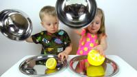 萌娃小可爱们品尝柠檬的表情真是萌萌哒! 小家伙们玩的可真是开心呢!