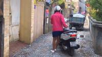 越南人请中国游客到家里做客,看看他们的生活过得如何,有点意外