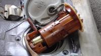 汽车启动后看油箱里面的油泵是怎么工作的?