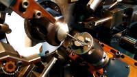 日常用的弹簧看似平常,但你知道它是怎么做成的吗?
